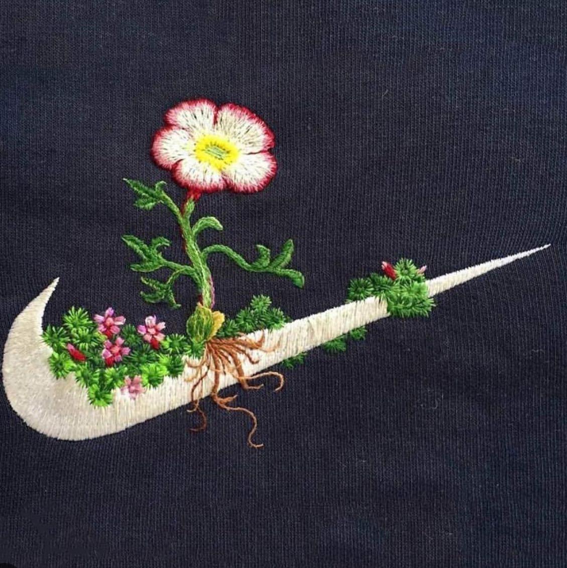 Вышивка логотипа гладью