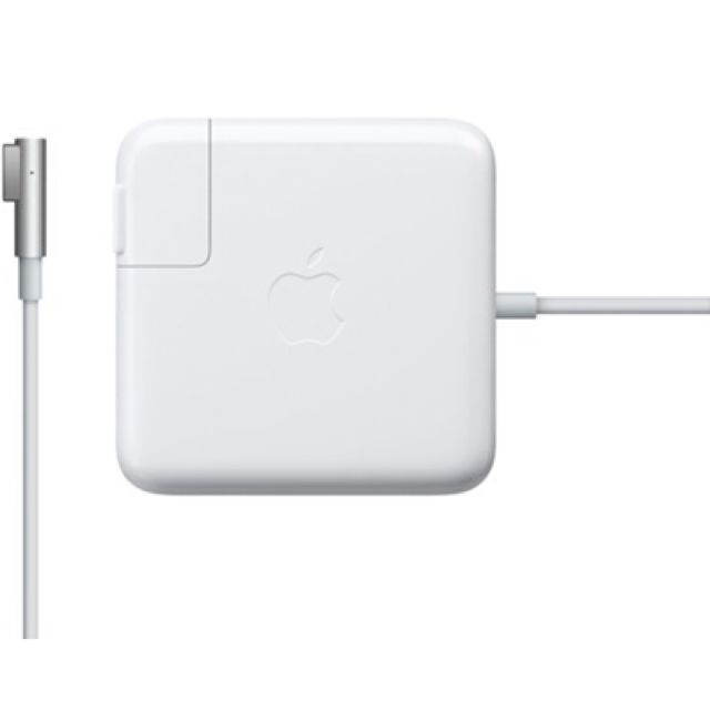 Apple 85W Magsafe power adaptor ( for 15inch and 17 inch MacBook Pro)