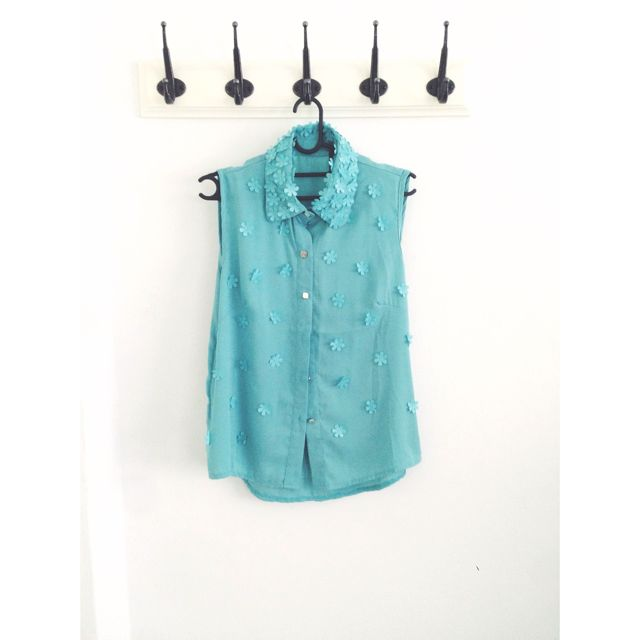 Mint Daisy Pop Out Top