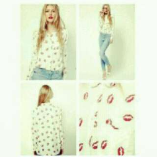 Lips Stain Long Sleeve Top