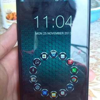 Selling Lg G pro. 3 Mos Used. With Warranty N Box.