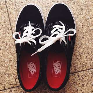Vans Size 6 Black ( Authentic ) // Worn Once Only