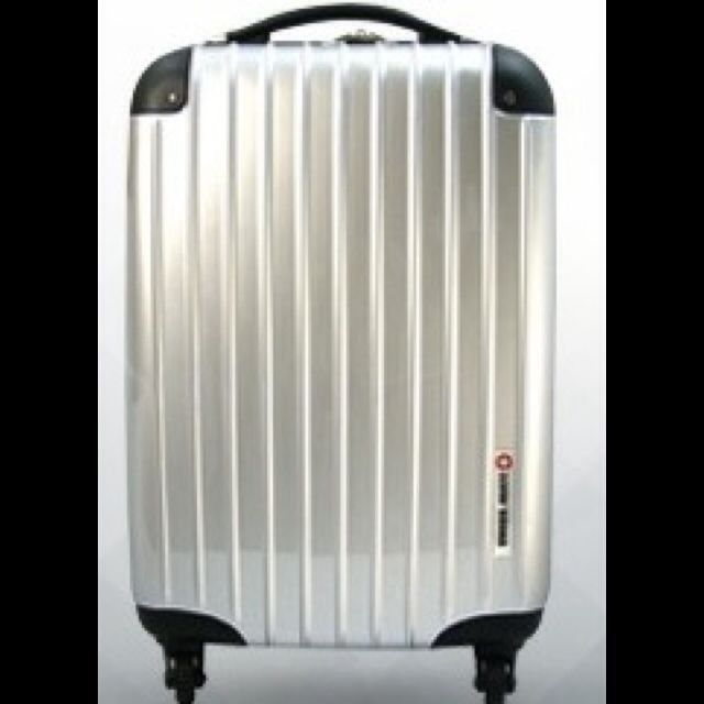 BRAND NEW Swissmate Luggage (Repriced)
