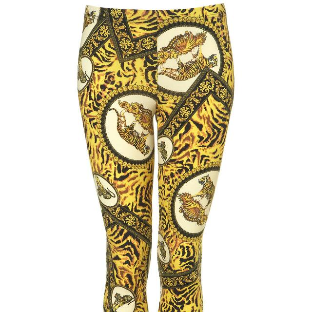 1d1367f9a7e4f Versace Inspired Leggings, Women's Fashion on Carousell