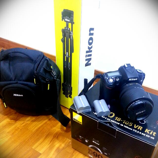 REDUCED PRICE! Nikon D90, 18-105mm- Shutter Count 6989 Only