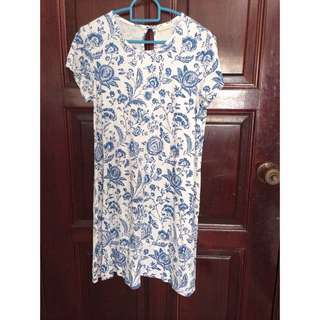 Uniqlo x Cabbage and Roses Floral  Shift Dress