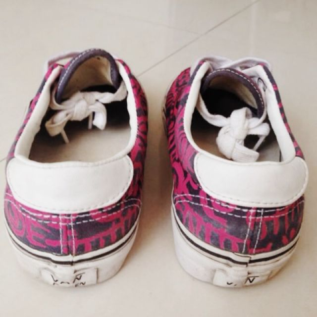 1df34f2999a128 Authentic Vans Pink And Black Tribal Pack ( ERA ) INSTOCK