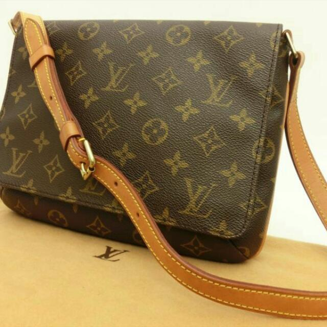 3c9d1f92f435 Louis Vuitton Authentic Monogram Musette Tango Short strap Shoulder ...