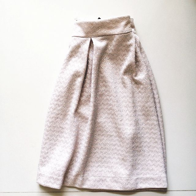 4f145930c2 Sequin skirt by Mango, Women's Fashion on Carousell