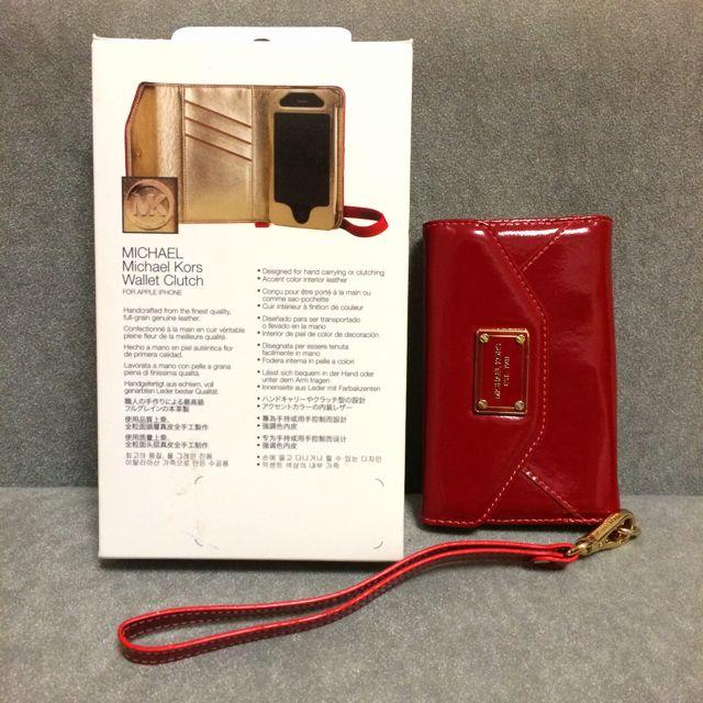 44a275de7fb2 MINT Michael Kors iPhone 4/4S/3G Wallet Clutch, Electronics on Carousell