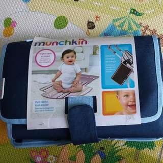 BN Munchkin Designer Diaper Changing Kit