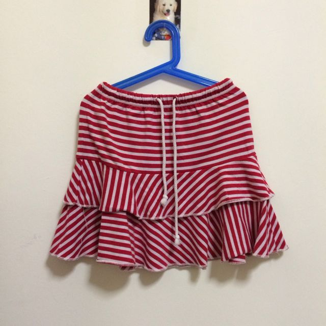 red and white stripes skirt