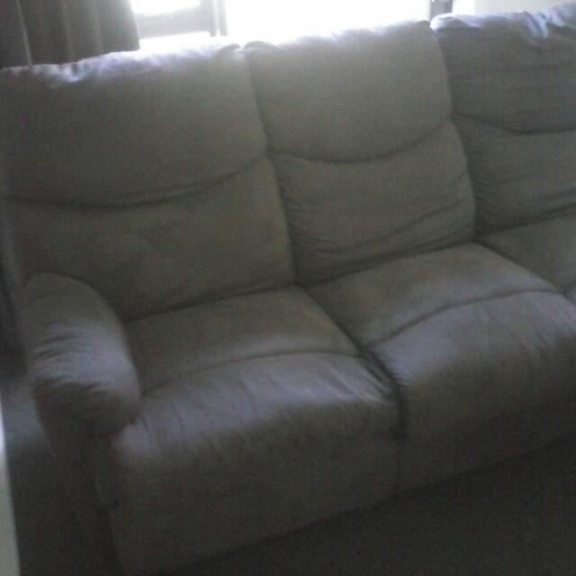 3 Seater Couch, Very Good Condition