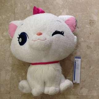 huge huggable Marie cat!!!