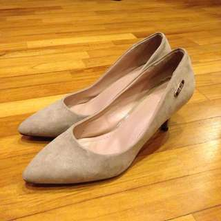 Size 41 Suede Surface Heels
