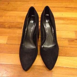 H&M Black Suede Like Surface Black Heels