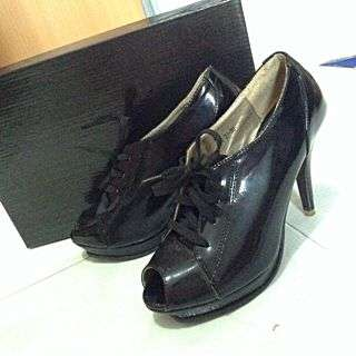 *Anna Nucci Heels (size 36,able To Fit 37)