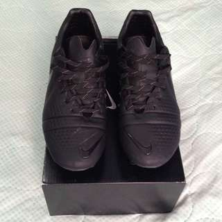 Nike CTR360 Maestri III FG (Lights Out Edition) ONLY 2500 PAIRS WORLDWIDE!