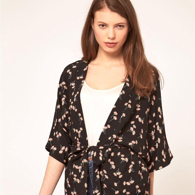 8af25cdcaff3 Oasis Fan Print Kimono Jacket , Cardigan, Women's Fashion on Carousell