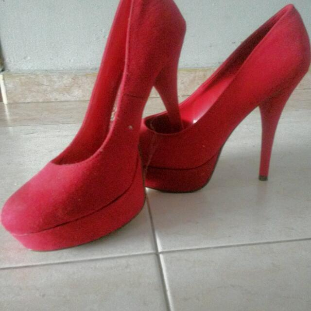 dd9e133a65a Size : 10 !! BRASH red High Heels !