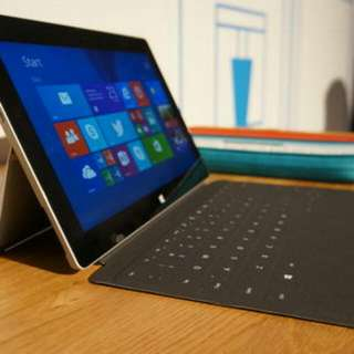 Microsoft Surface 2 MINT with Type 2 Cover From Challenger.