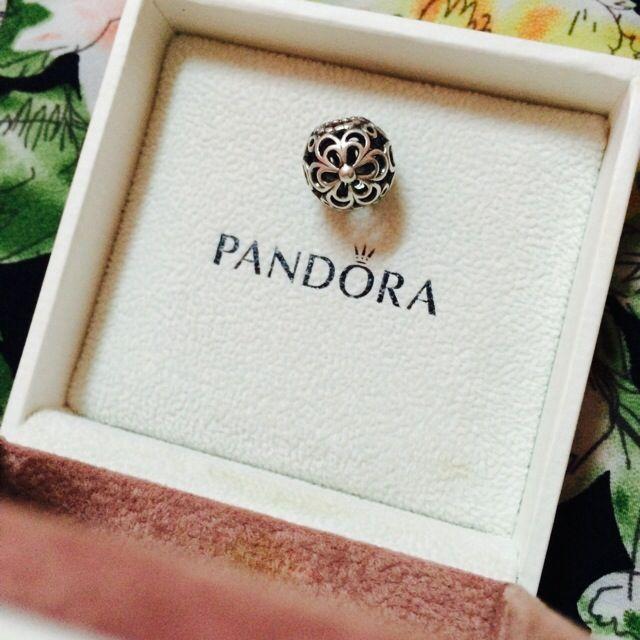 [AUTHENTIC] Pandora Openwork Wildflower Charm