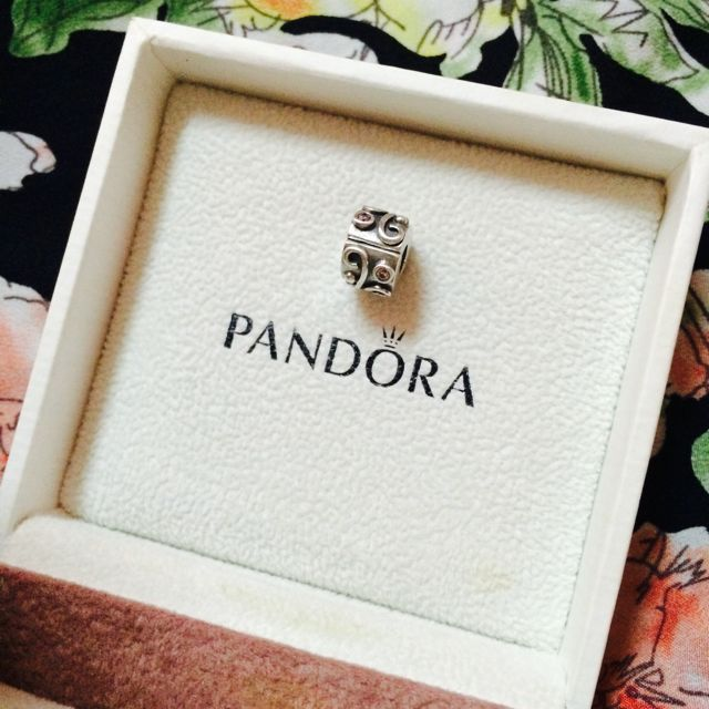 [AUTHENTIC] Pandora Pink Tendril Clip