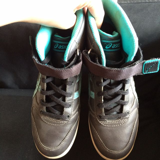 Asics High Cut Shoes, Sports on Carousell