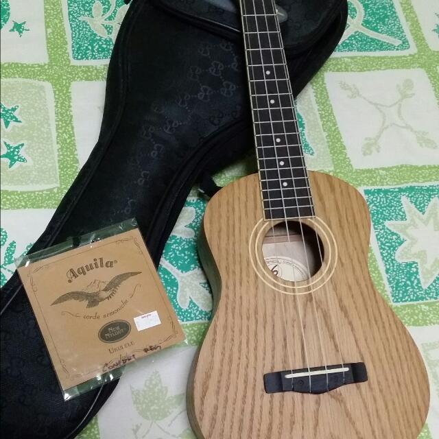 Greg Bennett Samick UK-60 Natural Beauty Concert Ukelele