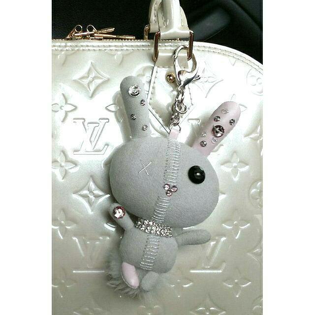 2175002a573 BN Swarovski Crystal Grey Mathilde 3D Bunny Bag Charm / Key Ring ...