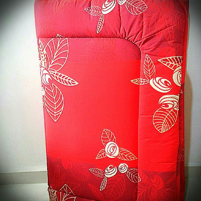 Used Foldable Cushion