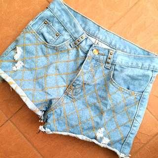 (PENDING) Ripped Diamond Shorts
