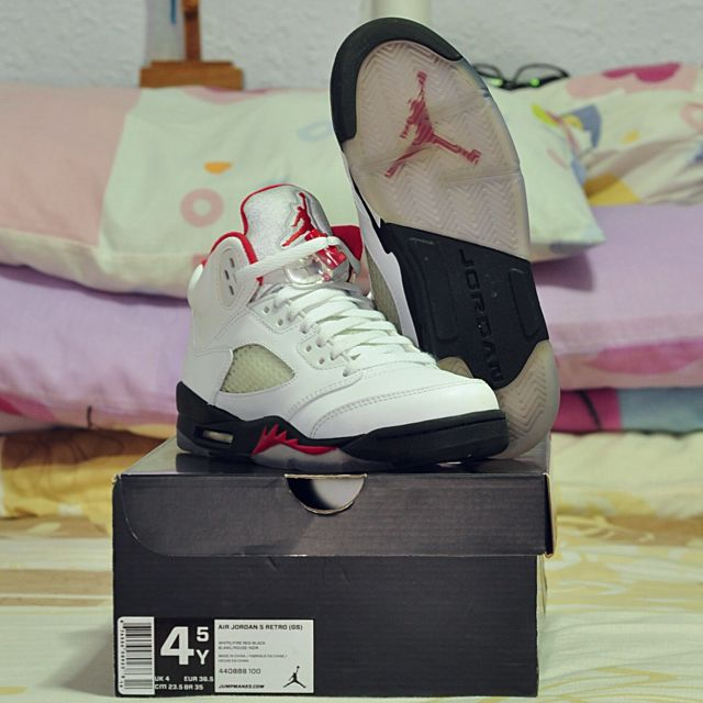 "AIR JORDAN 5 RETRO (GS) ""FIRERED"" US4.5Y USED (x4)"