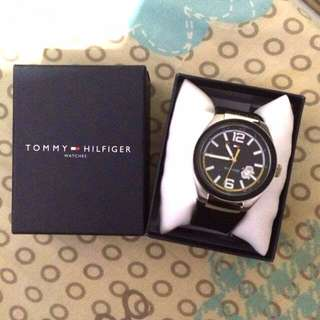 Tommy Hilfiger Yellow Tuner