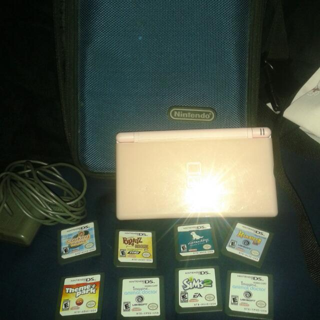 Nintendo DS Lite W//Games+Charger
