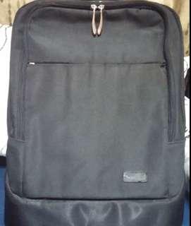Pre-Loved Kensington Coutour Balance Laptop Backpack