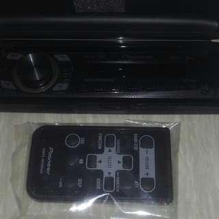 Pioneer Car Radio & CD Player W Remote