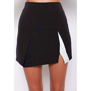 MDS Splitting Contrasting Skirt In black