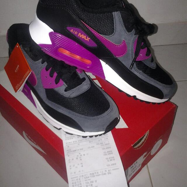 on sale 77299 46d5d Nike air max 90 womens size 9, equivalent to size 7.5 mens ...