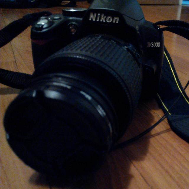 Nikon D3000 Repriced @ 300