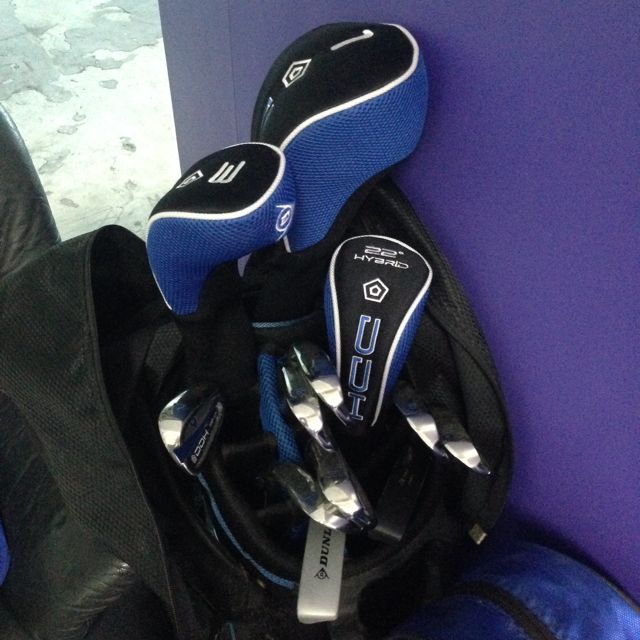 Adult and Child Golf Set With Bag. Dunlop