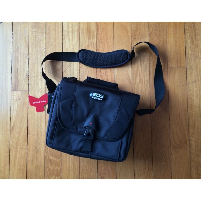 BRAND NEW: EOS Bag S1211