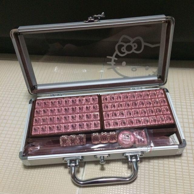 92aebf6ca0 Hello Kitty Pink Glitter Mahjong Set (travel Size)