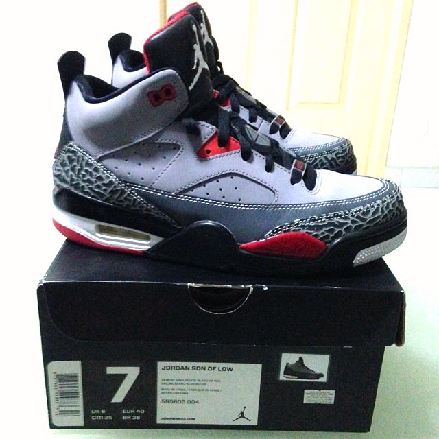 new product 297d1 3c40d Jordan 3 Son of Mars, Men's Fashion on Carousell