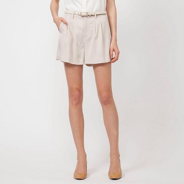 UNIQLO (Black) Women Pleated Shorts