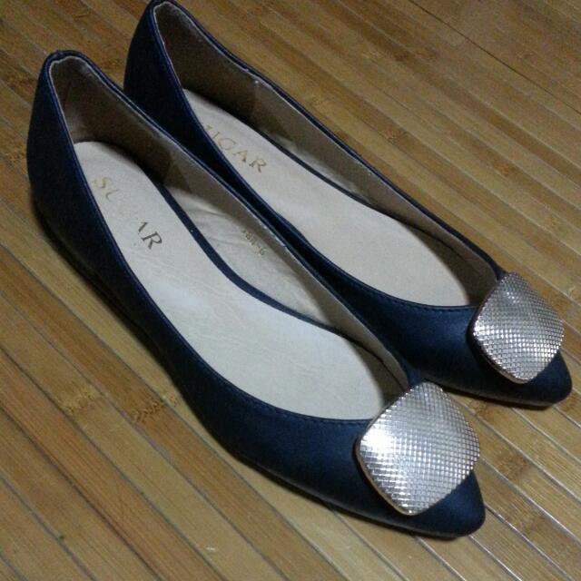 93ba4a93725 Black   Gold Flat Shoes