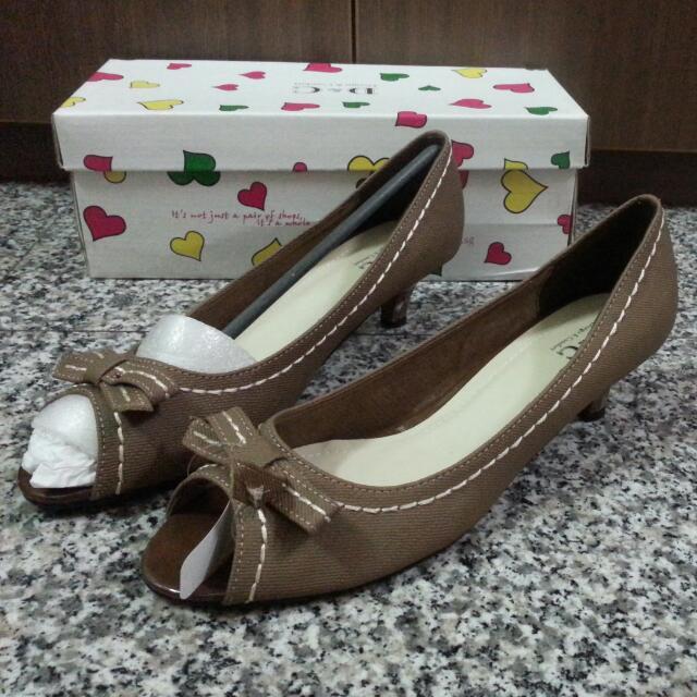 D&C Brown Bow Open-toed Kitten Heels