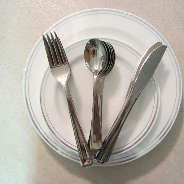 photo photo ... & BN Mozaik Plastic Plates u0026 Cutlery Home Appliances on Carousell