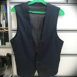 Basic House Vest. Size M.