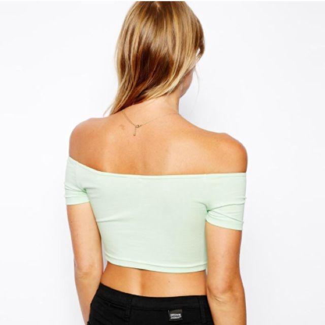 e42b86ede86 BN ASOS mint Green Off Shoulder Crop Top, Women's Fashion on Carousell